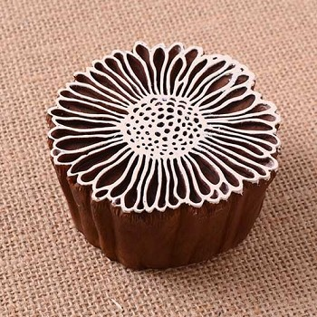 Block Stamp Vintage Daisy - 2 5/8""