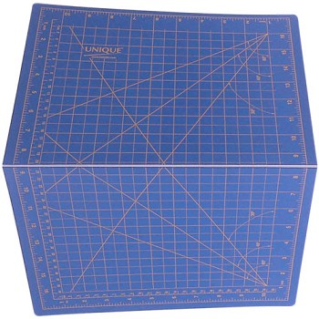 "Cutting Mat - 11"" x 17"" (folds for storage)"